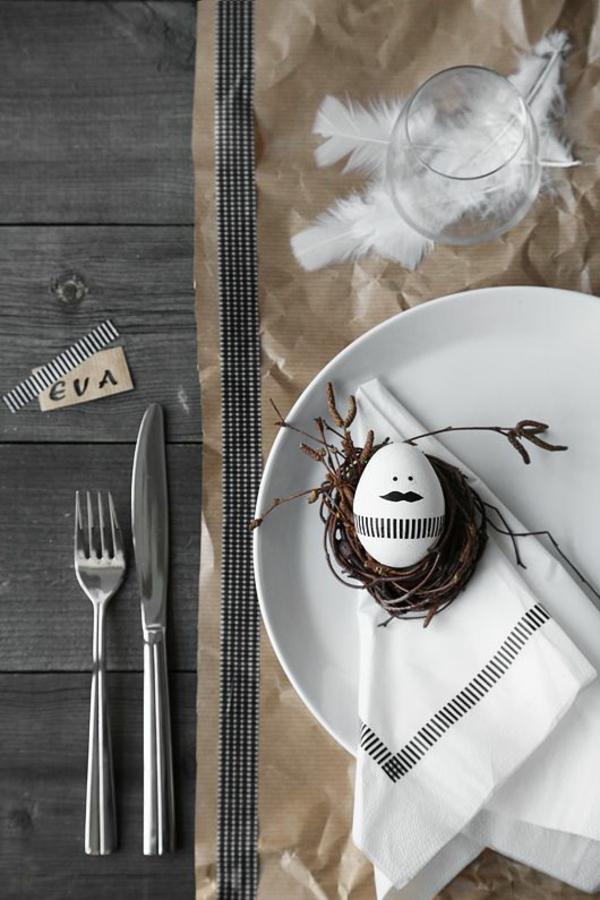 rustikale tischdeko ostern holztisch packpapier ostereier