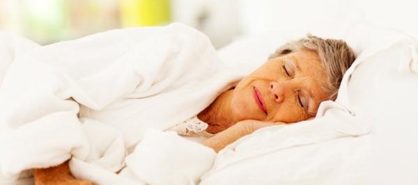 schlaflosigkeit-einschlafstörungen-alter-schlaf
