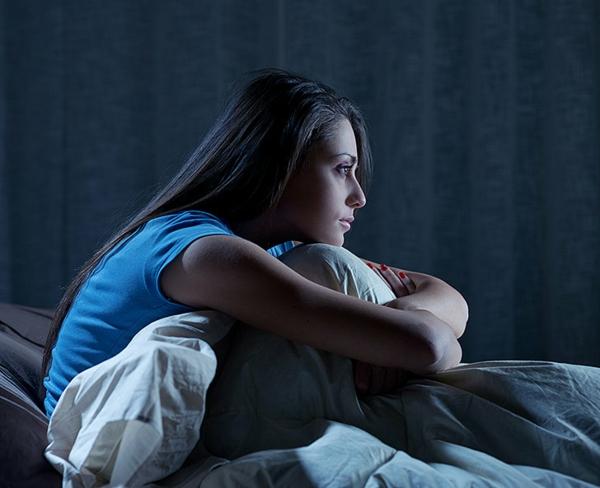 schlaflosigkeit-mitternacht-einschlafstörungen