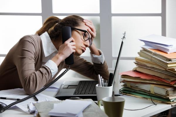 schlaflosigkeit-schlafstörungen-office-stress