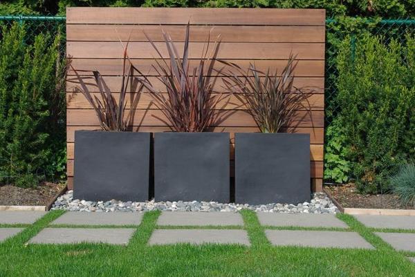 den sichtschutzzaun versch nern oder neu gestalten. Black Bedroom Furniture Sets. Home Design Ideas