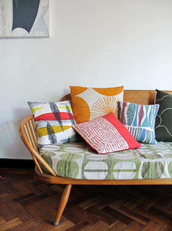 sofa dekokissen unterschiedliche muster schöne dekoideen