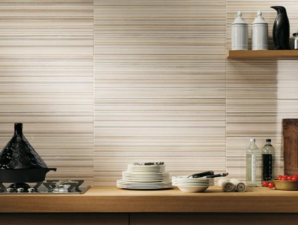 sole-streifen-küchenrückwand-fliesen-wand