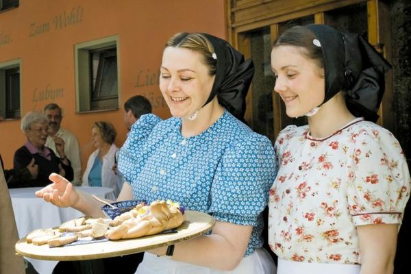 sorbische ostereier markt bräuche brot