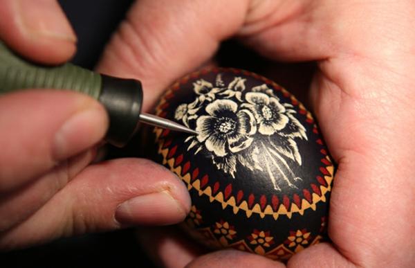 sorbische ostereier ritztechnik blumen