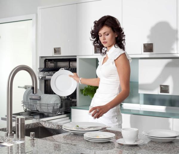 spülmaschinen marmor arbeitsfläche weißes porzellan
