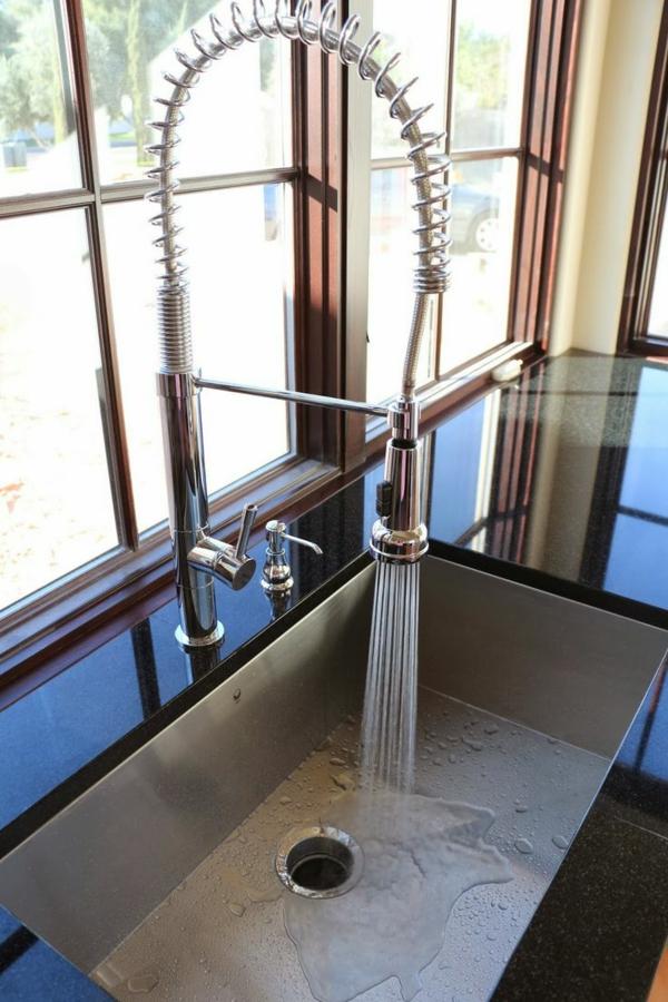 spültischarmatur wasserhahnarmatur praktisch küchenspüle küche einrichten