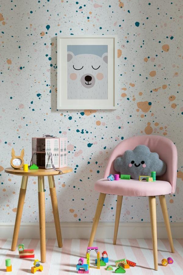 tapeten fürs kinderzimmer mit streifenteppich kombinieren