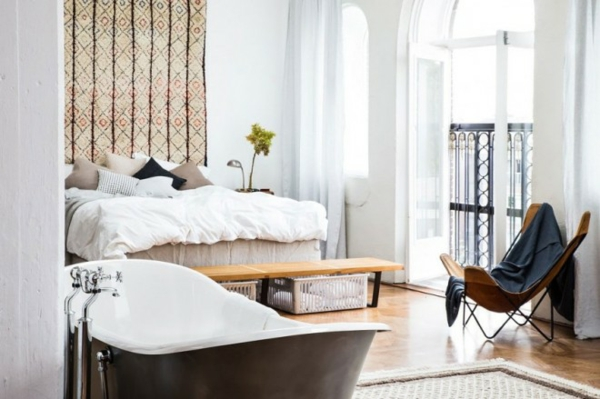 traumhäuser Amsterdam Loft freistehende badewanne im schlafzimmer