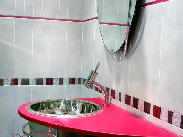 feminine einrichtung rosa pink farben waschbecken badezimmer fliesen