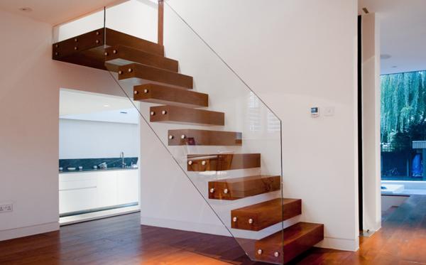 treppe glas dicke holzstufen treppengeländer siller