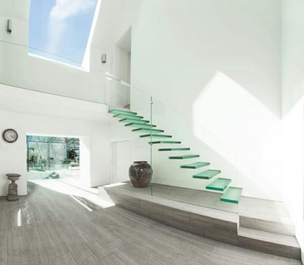 treppe glas stufen minimalistisch treppenhaus