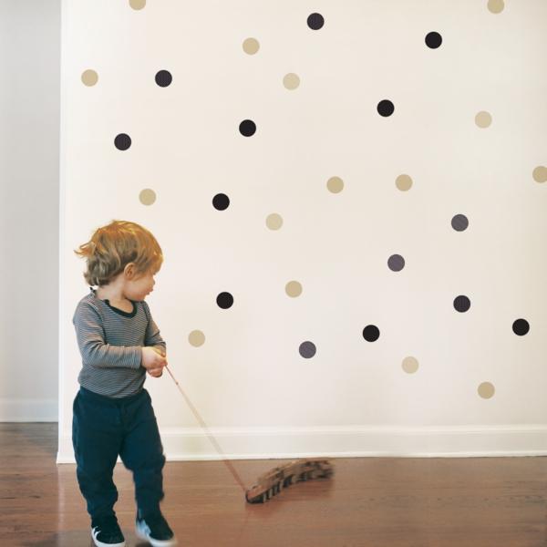 wanddeko kinderzimmer weiß punkte kleinkinder