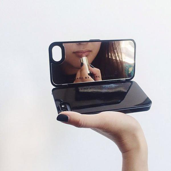 augefallene telefon etui designs spiegel