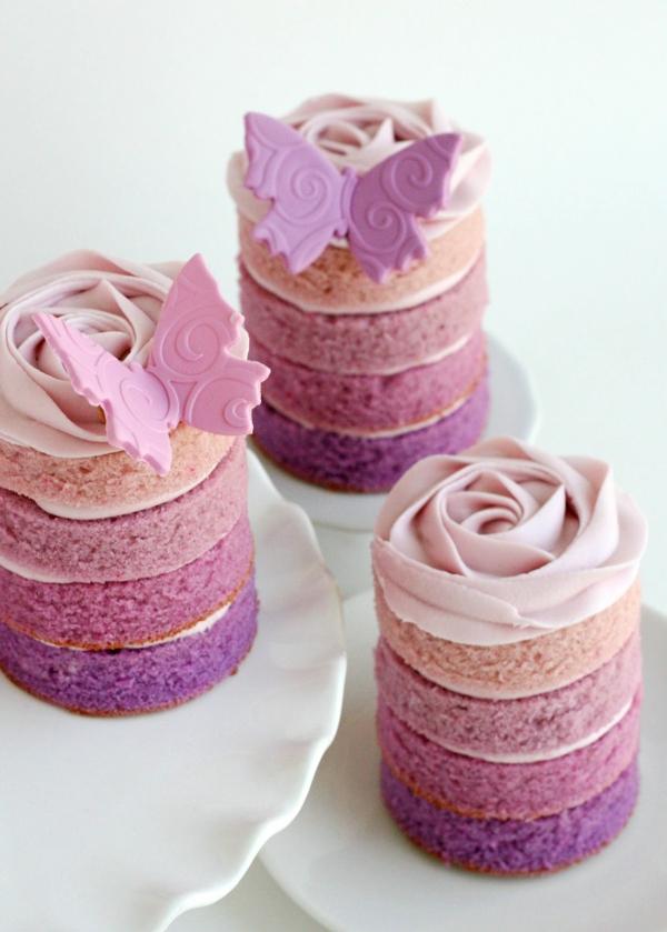 ausgefallene kuchen schichten schmetterlinge rosanuancen