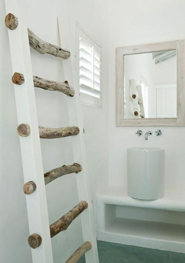 badezimmergestaltung ideen rustikal handtuch leiter holz waschbeckentisch