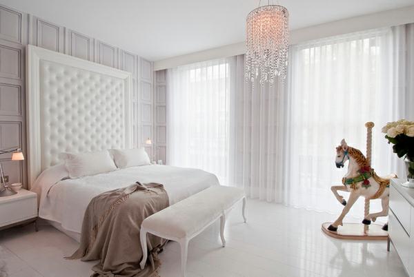 blickdichte vorhänge schlafzimmer kristallkronleuchter