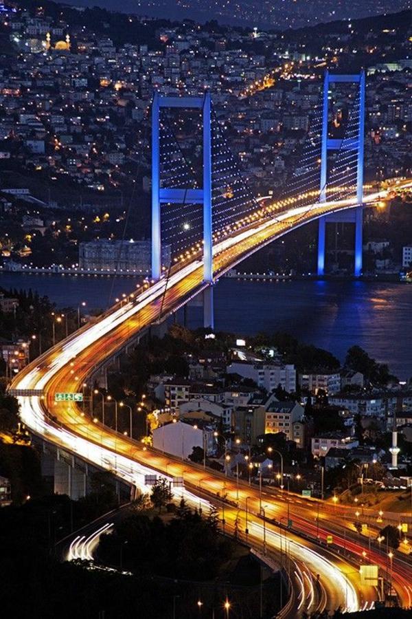 bosporus istanbul türkei nachts reisen urlaub