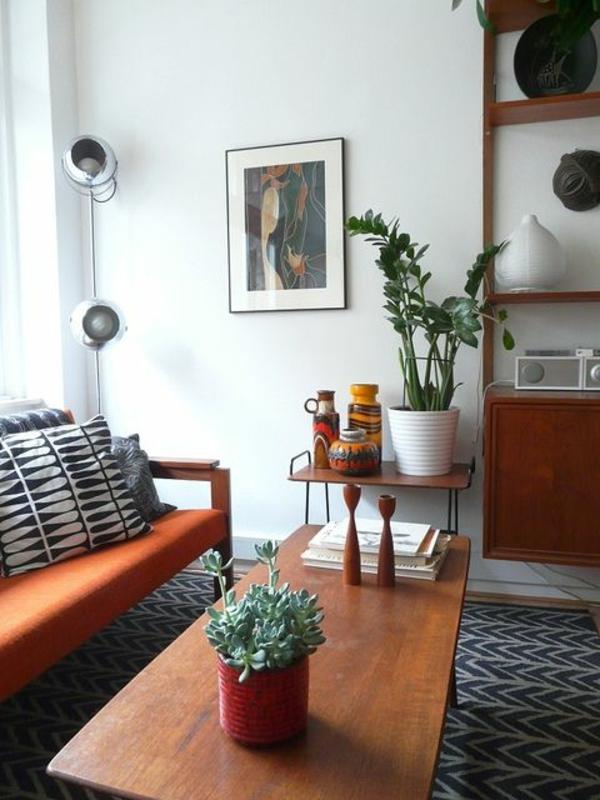 couchtisch vintage stil retro sofa pflanze