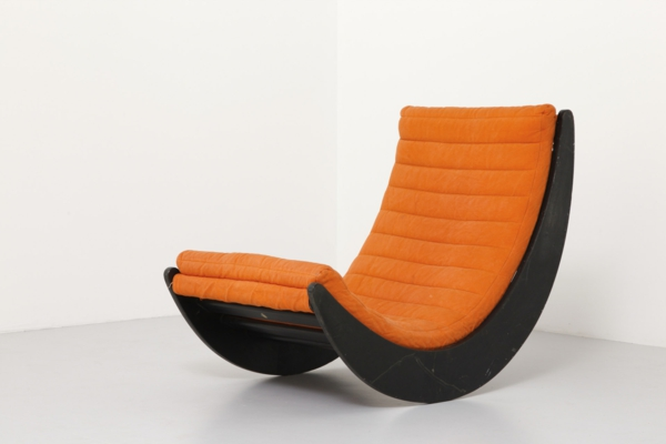 designer möbel werner panton oranger stuhl schwarz