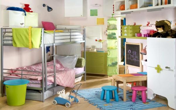 doppelbett kinderzimmer grüne kommode blauer teppich