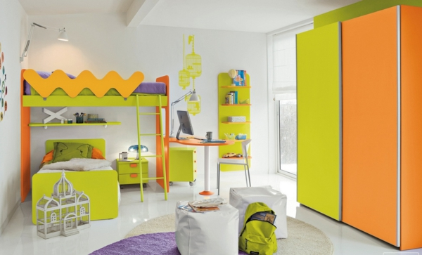 doppelbetten kinderzimmer farbiges interieur grün orange lila