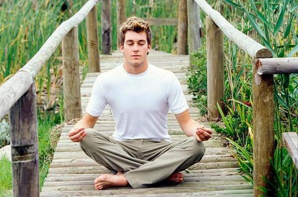 entspannungstechnik stress abnehmen natur brücke