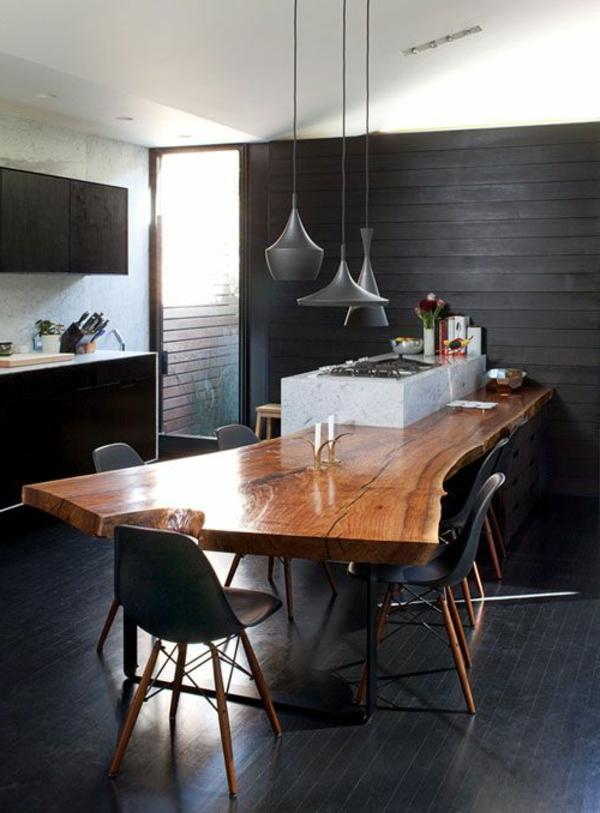 Esszimmer Rustikaler Esstisch Schwarze Holzpaneele Wandgestaltung