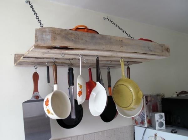 holzpalette küchengestell hängende pfannen