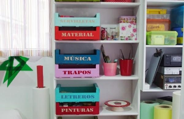 europalette-möbel-aufbewahrungsboxen-unterschiedliche-farben
