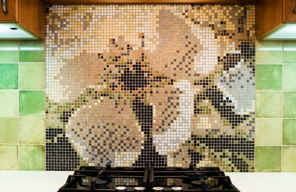 fliesenspiegel-küche-blumenmuster-erstellen-küchenrückwand-ideen-mosaikfliesen