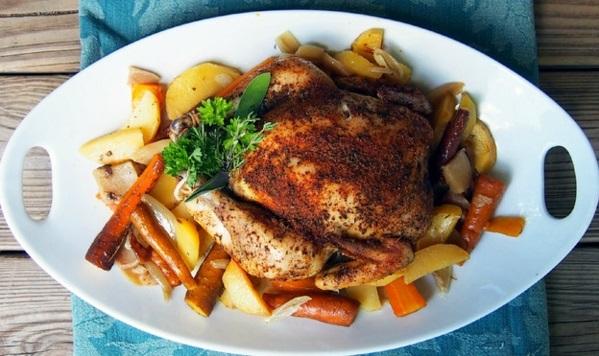 frühlingsrezepte fleischgerichte hähnchenbraten mit kartoffeln