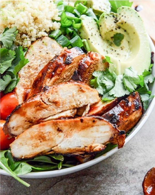 frühlingsrezepte frühlingssalat mit hähnchen und avocado