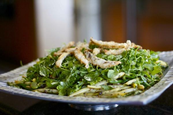 frühlingsrezepte hähnchen mit bohnen pesto spinat