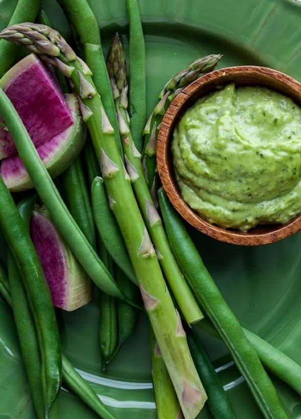 frühlingsrezepte vegetarische gerichte spargelgerichte gemüsesuppe