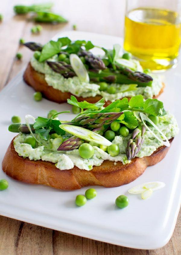 frühlingsrezepte vegetarische gerichte tostbrotscheiben mit gemüse schmierbrötchen