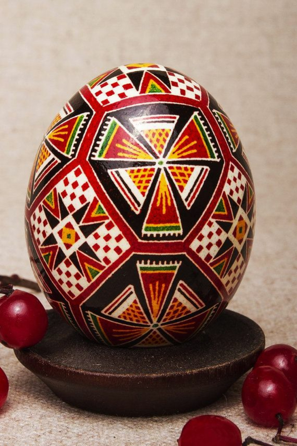 frohe ostern europäische traditionen bunte eier bemalen
