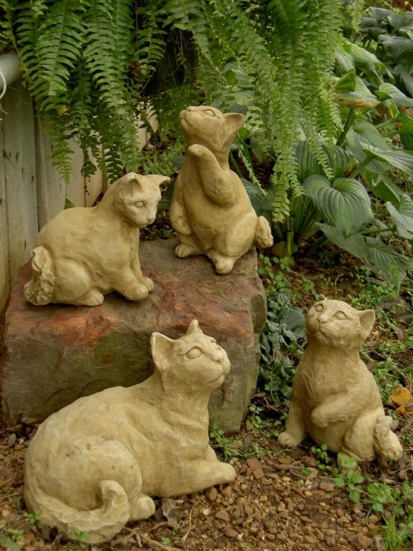 gartenfiguren katzen garten gestalten gartendeko