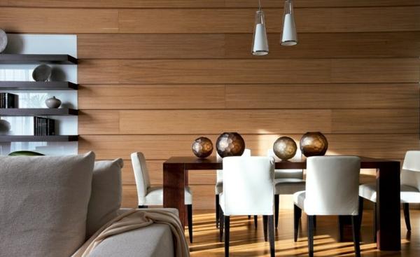 holzpaneele esszimmer wandgestaltung elegante weiße stühle