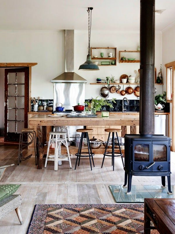 küche einrichten country stil gemütlich hängelampe offene regale