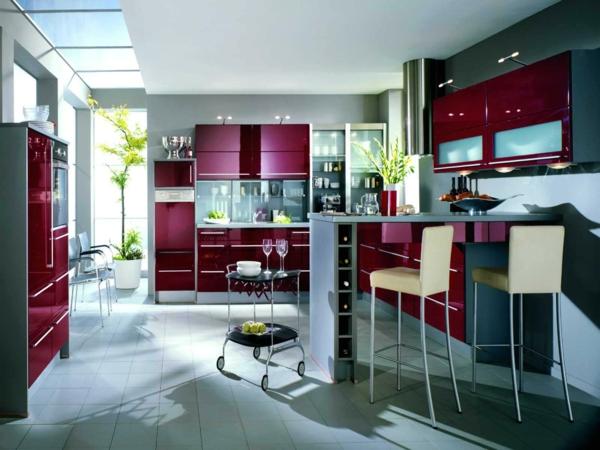 küche gestalten rote küchenschränke elegant barhocker