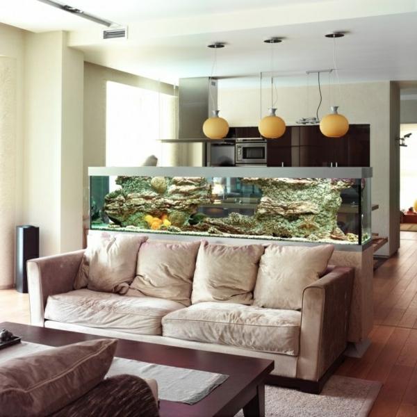küchendesign offener wohnplan wohnzimmer raumabtrenner aquarium
