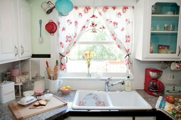 küchengardinen kleine küche fenster dekoration