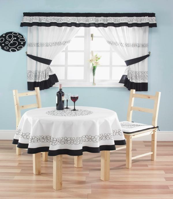 küchengardinen weiß schwarz tischdecke wanduhr