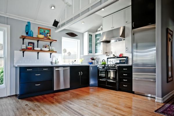 küchenplanung küchenrückwand weiße fliesen offene regale