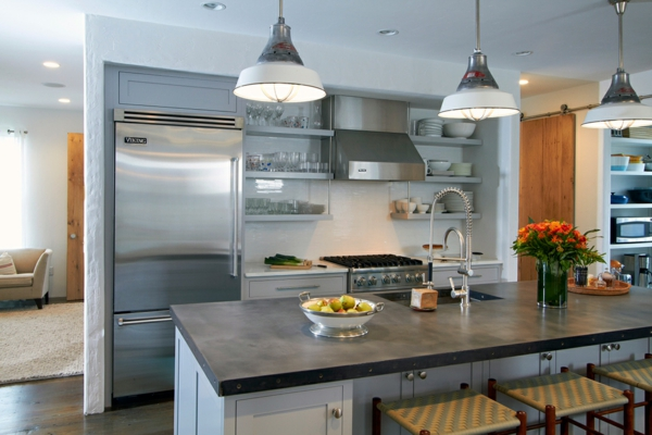 küchenplanung metallic einrichting kücheninsel blumen