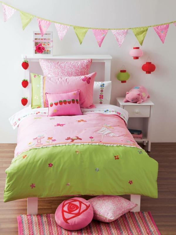 kinderzimmer dekorieren farbige betwäsche frisch