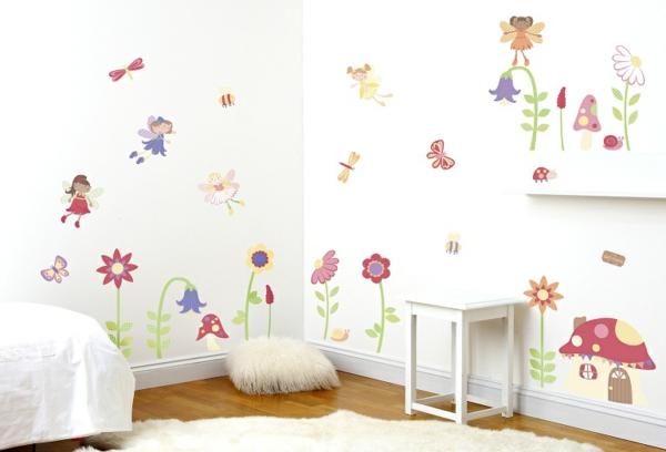 kinderzimmer farbige wände weißer teppich