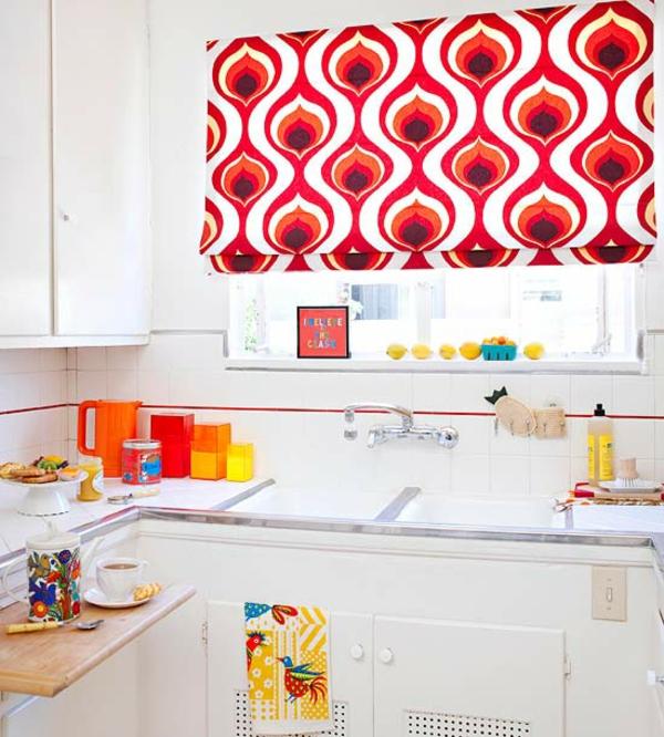 kleine küche einrichten einrichtungstipps küchengardinen grelle farben