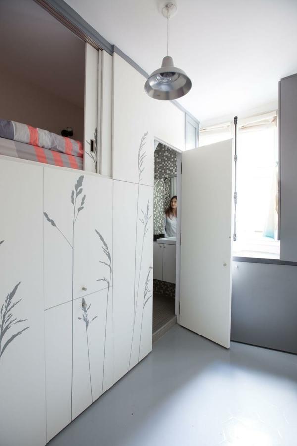 kleines apartment einrichten verstecktes badezimmer